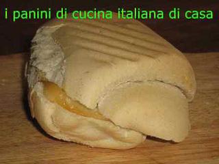 Panino con salame di cinghiale e scamorza affumicata di cucina italiana di casa idee e ricette - Cucina italiana di casa ...