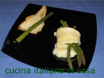 Involtini di platessa e asparagi ricetta fotografata passo for Cucina italiana pesce