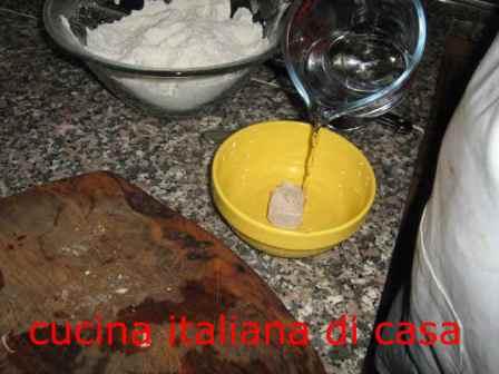 Come preparare la pizza con i wurstel di cucina italiana di casa - Cucina italiana di casa ...