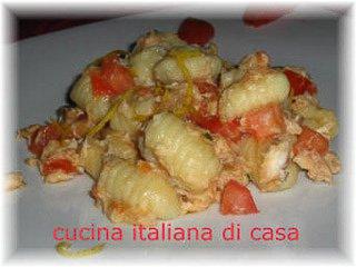 Gnocchi di patate con sugo di gallinella e zenzero ricetta for Ricette di cucina italiana primi piatti