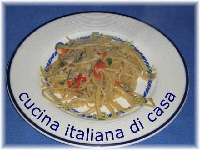 Come preparare gli spaghetti con fasolari e vongole for Ricette alta cucina italiana